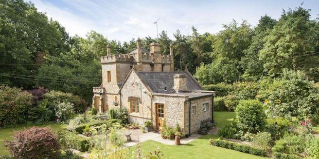 uk-castle-for-sale-1.jpg